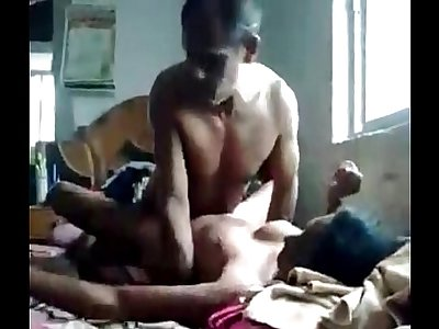 Indian Desi randi hard fucking with customer - Wowmoyback